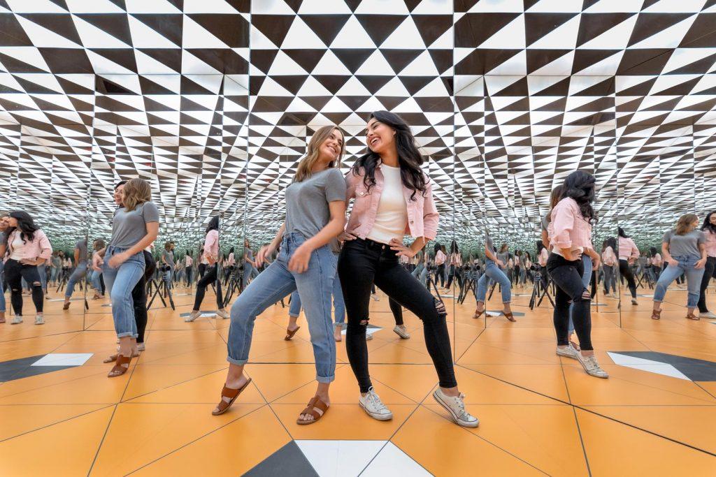 Museum of Illusions Orlando Infinity Room